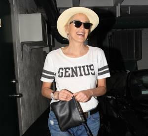 Sharon Stone, un look tout droit sorti du camping pour la star de Basic Instinct