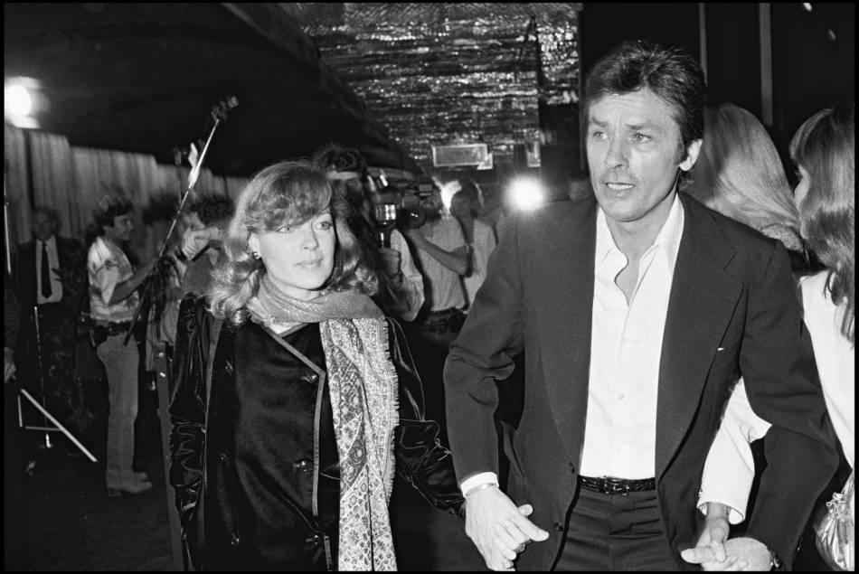Romy Schneider et Alain Delon photographiés en 1981.
