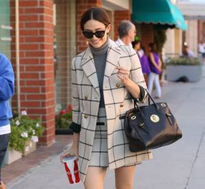 Emmy Rossum : un look de working girl à carreaux... A copier !