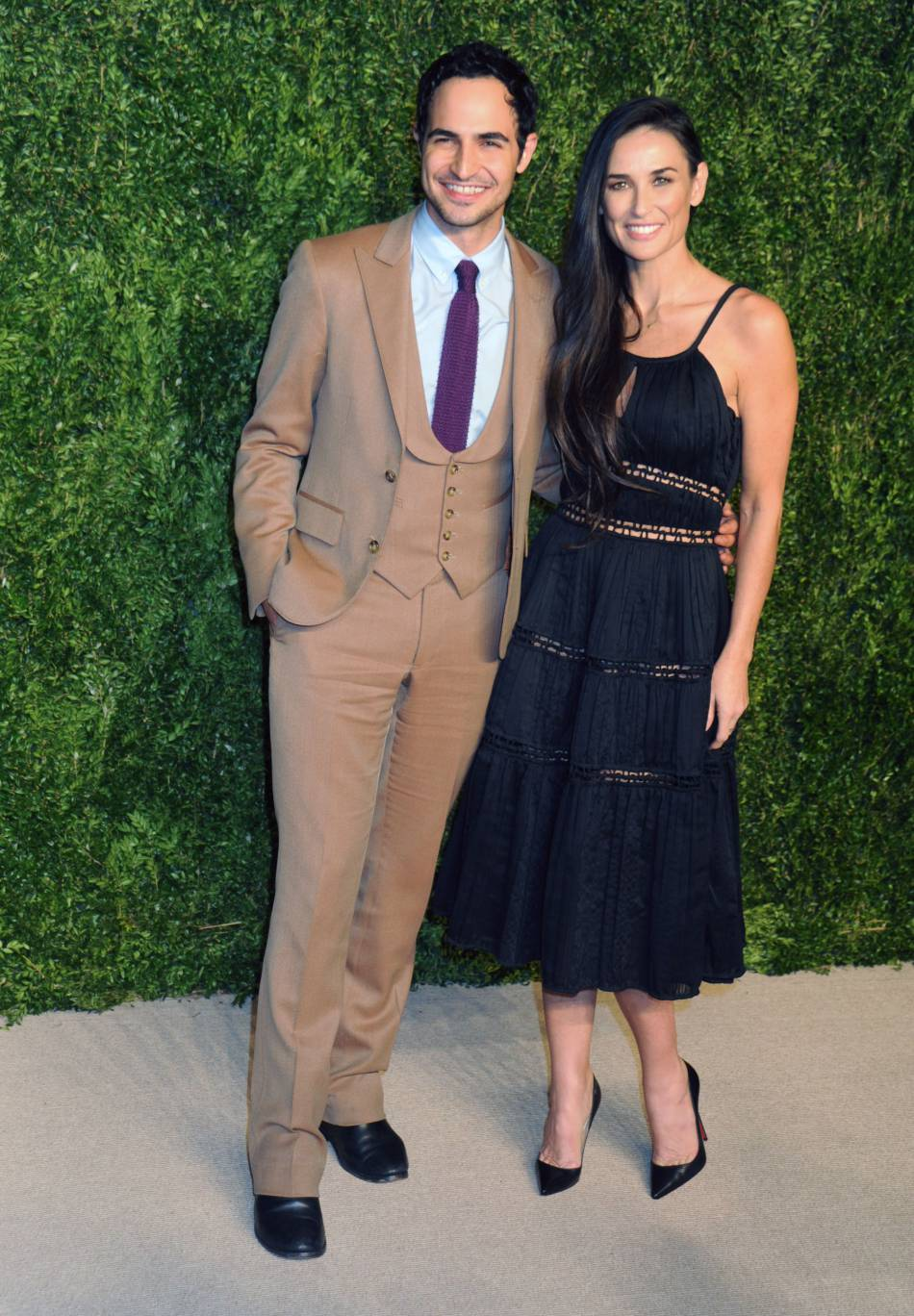 Demi Moore et le créateur Zac Posen à la soirée CFDA/Vogue Fashion Fund Awards de ce lundi 2 novembre 2015.