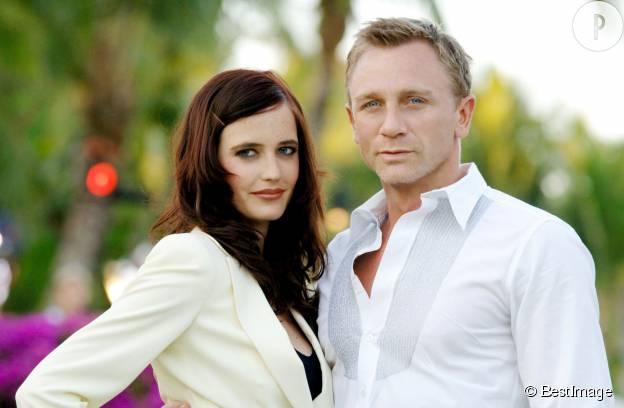 "Daniel Craig et Eva Green : un duo amoureux dans ""Casino royal""."