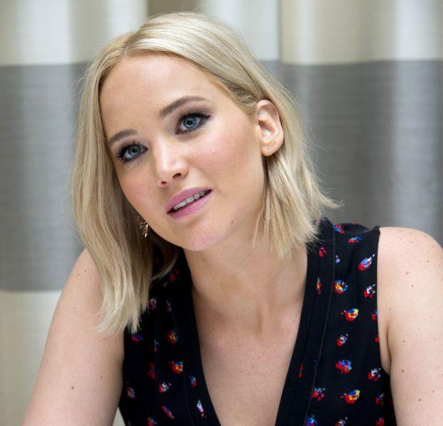 """Jennifer Lawrence : une beauté blonde qui doit devenir brune pour """"Hunger Games""""."""
