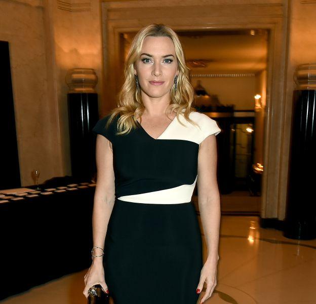 Kate Winslet, rayonnante et ultra chic dans cette robe contrastée noire et blanche.