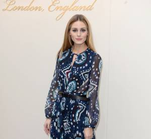 Olivia Palermo brille avec son look 70's made in Burberry.