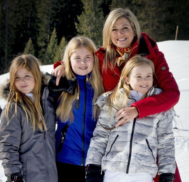 Maxima et ses trois princesses en vacances en Autriche.