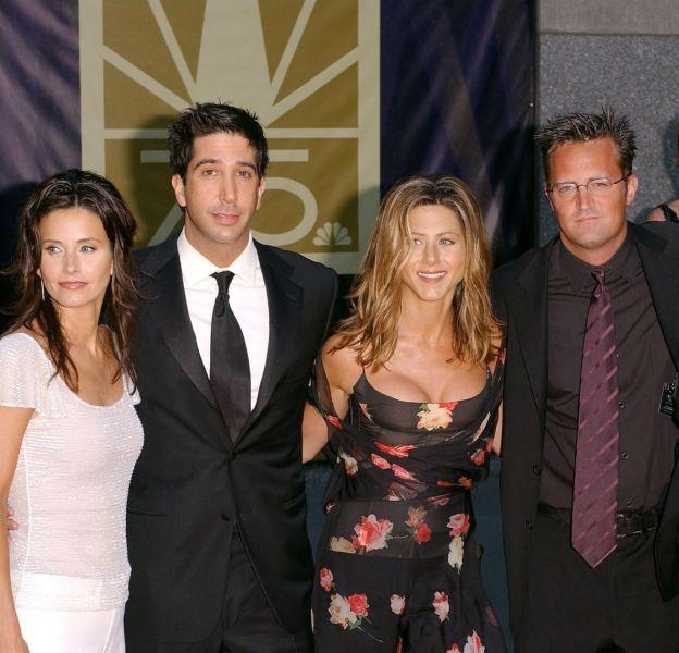 """Ce lundi 22 février 2016, le casting de la série """"Friends"""" s'est retrouvé lors d'une réunion spéciale sur la chaîne NBC."""