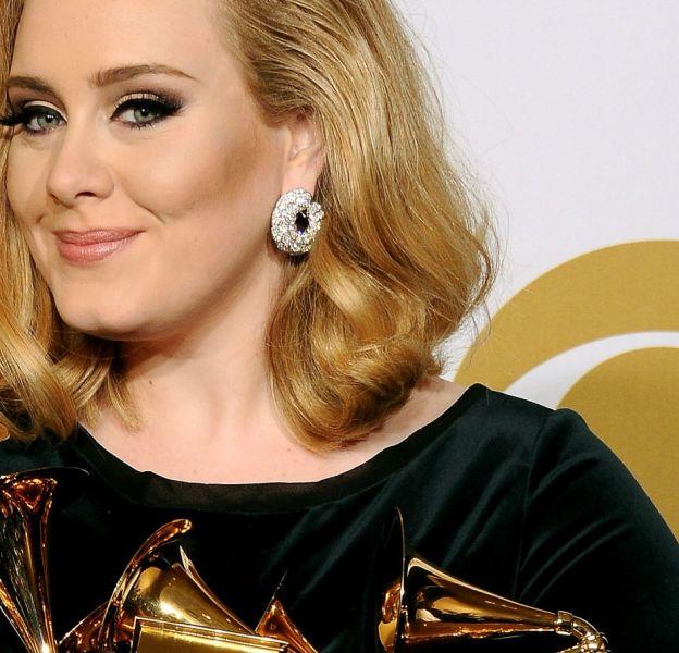 Les secrets du maquillage rétro d'Adele ? Son maquilleur nous les révèle. Sympa !