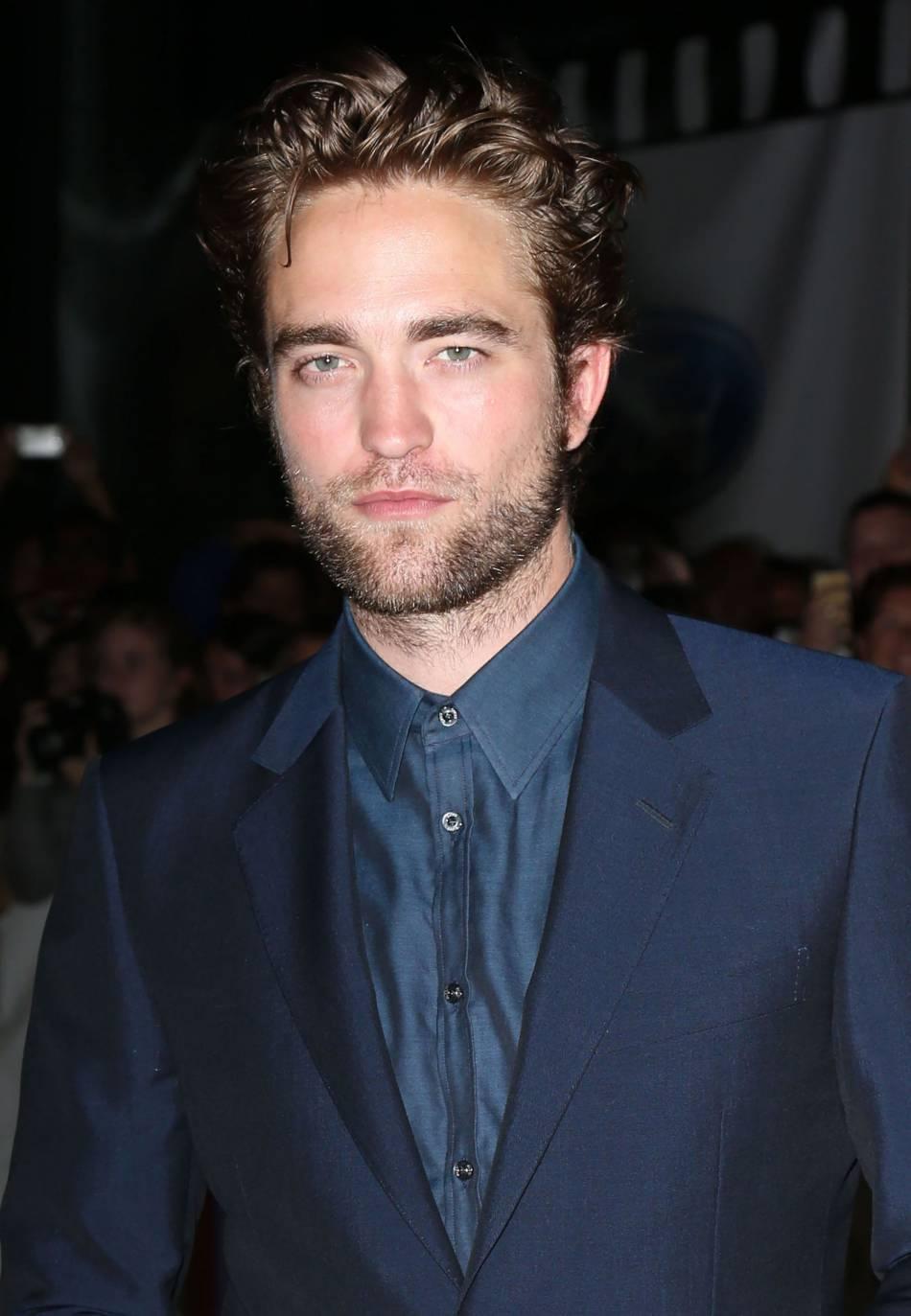 Robert Pattinson, égérie de l'Automne 2016 du prêt-à-porter Dior Homme.
