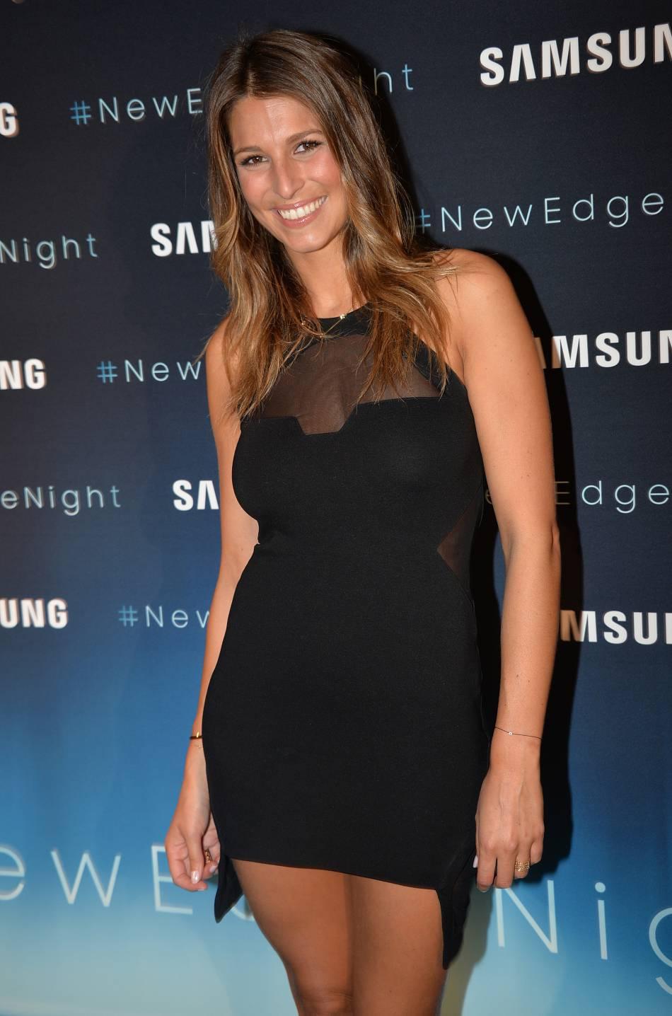Laury Thilleman continue de teaser son shooting sexy pour  Gala .