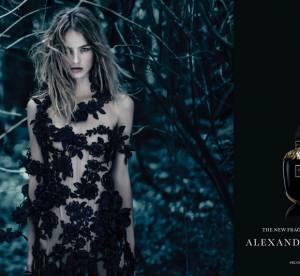 McQueen Parfum, l'alliance du romantisme noir et des fleurs nocturnes