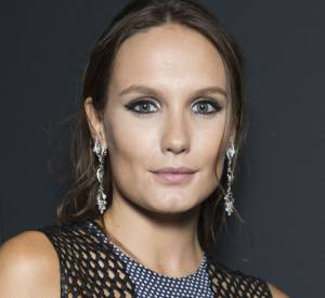"""La mise en beauté sophistiquée d'Ana Girardot au dîner Kering pour """"Women in Motion"""", lors du 69ème Festival International du Film de Cannes."""