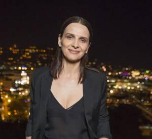 "Juliette Binoche a opté pour un total look noir au dîner Kering ""Women in Motion""."