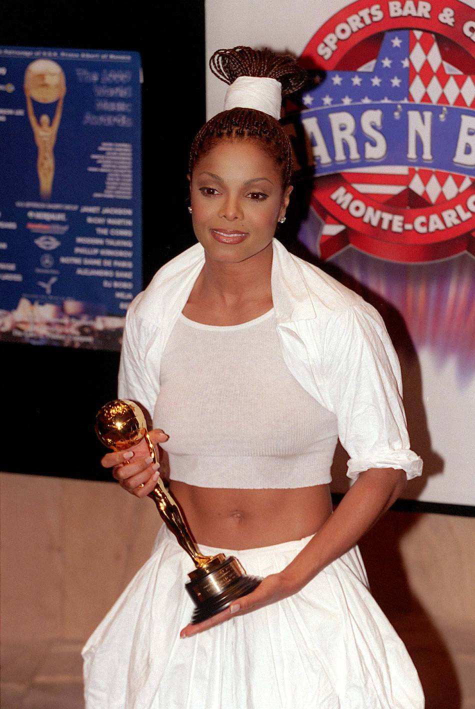 Janet Jackson remporte un trophée World Music en 1999.