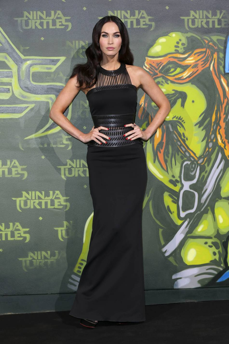 Megan Fox a finalement comprix l'art de la suggestion.
