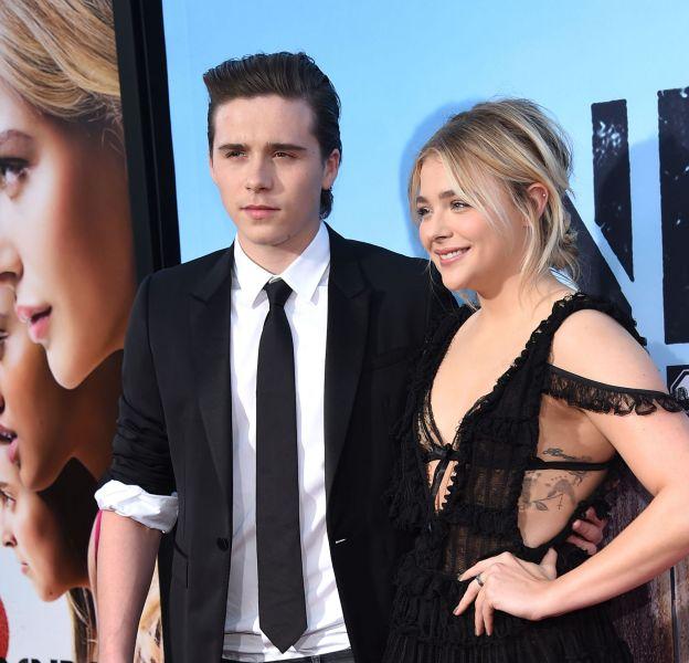 """Le couple Chloë Moretz et Brooklyn Beckham à l'avant première du film """"Nos pires voisins 2"""" à Los Angeles."""
