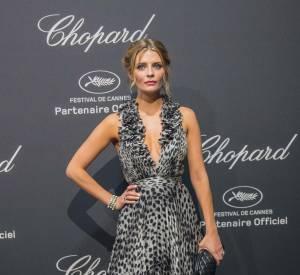 Mischa Barton en Blumarine, bijoux Avakian et pochette Chanel à la soirée Chopard le 16 mai 2016 à Cannes.