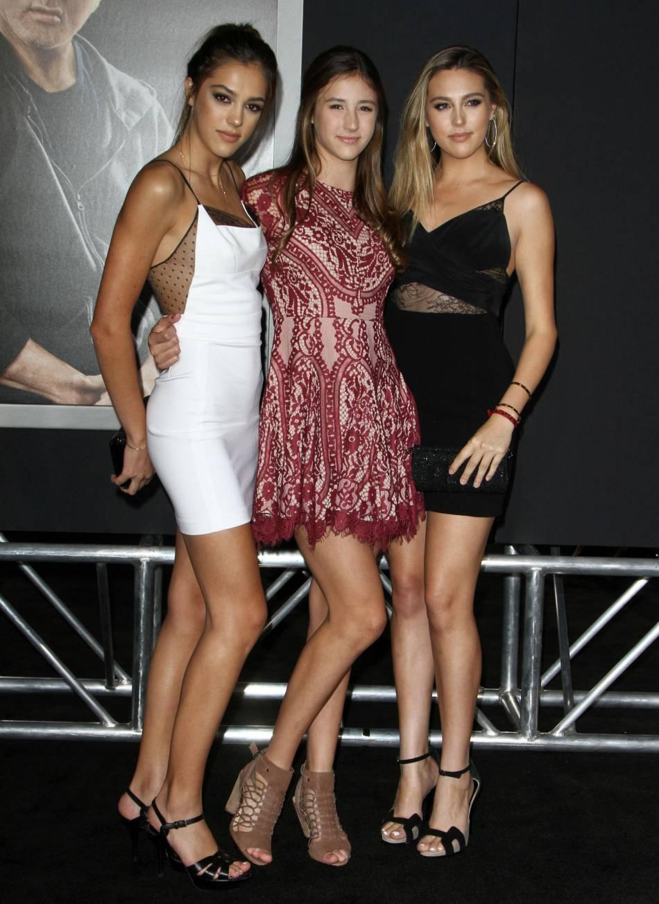 Le top Sistine Stallone âgée de 18 ans et ses soeurs, Sophia et Scarlet.