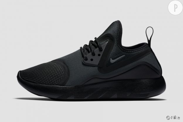 Lunarcharge, Nike, 110€.
