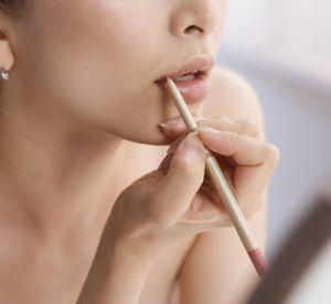 Maquillage : bien appliquer le crayon à lèvres
