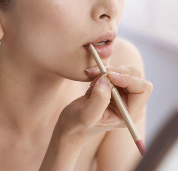 Comment bien appliquer le crayon à lèvres ?