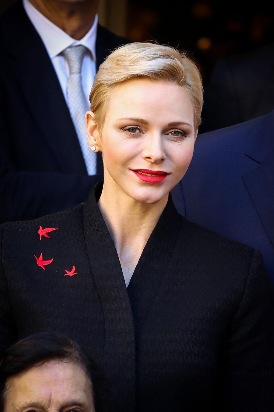 Charlene de Monaco est apparue radieuse et souriante ce vendredi 16 décembre 2016.