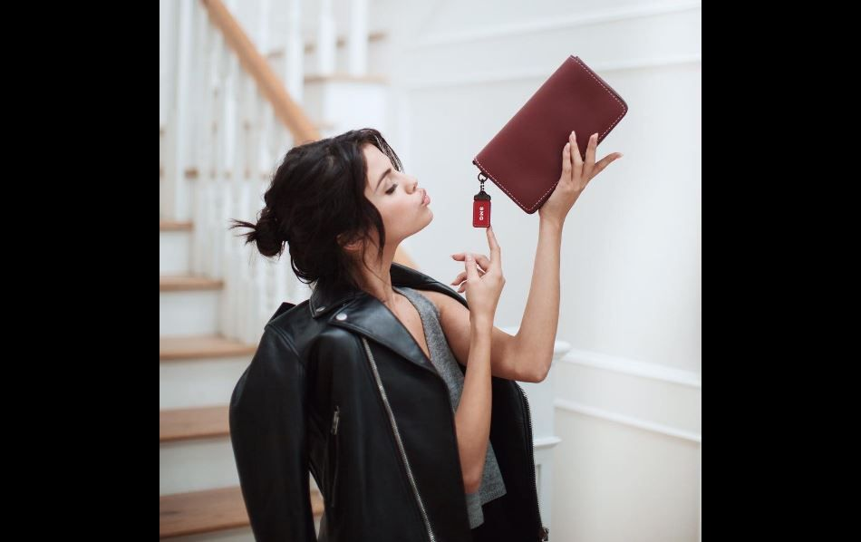 Selena Gomez est la nouvelle égérie de la marque Coach.