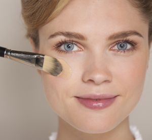 Maquillage : quelle texture de fond de teint pour quel type de peau ?