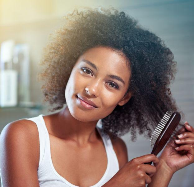 Cheveux : quelles huiles végétales utiliser pour en prendre soin ?