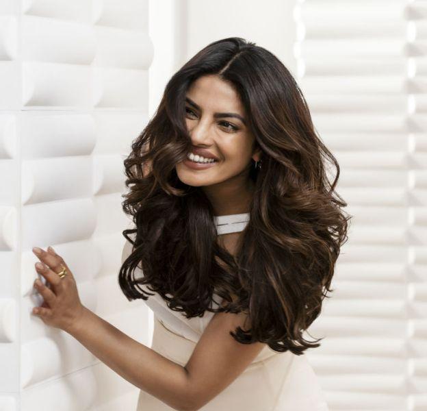 Priyanka Chopra est la nouvelle égérie cheveux Pantene.