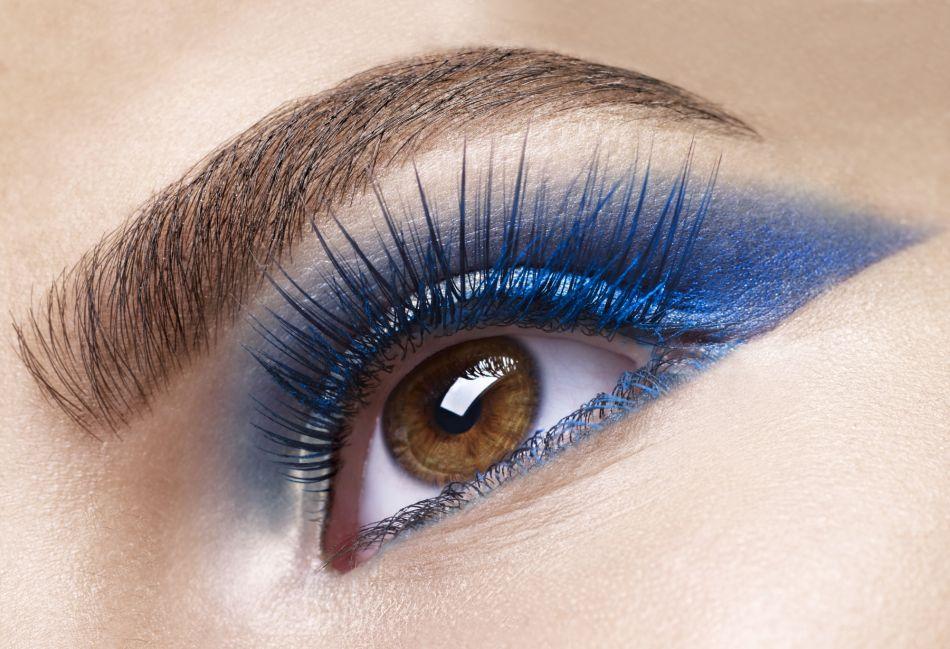 Comment adopter le bleu sur les yeux ?