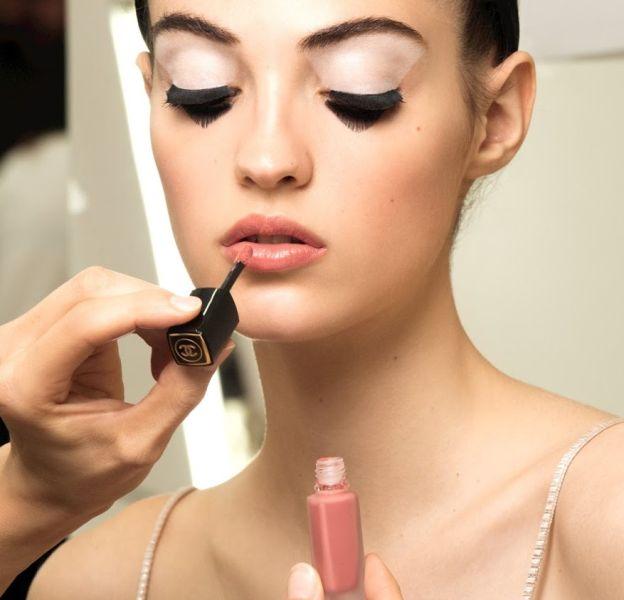 La nouvelle encre à lèvres Chanel est un indispensable.