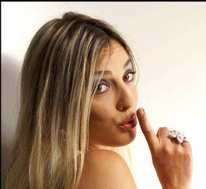 Nouvelles photos sexy sur les réseaux sociaux pour Eve Angeli.