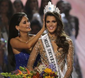 Iris Mittenaere : Miss Univers 2017 se confie sur sa culotte porte-bonheur