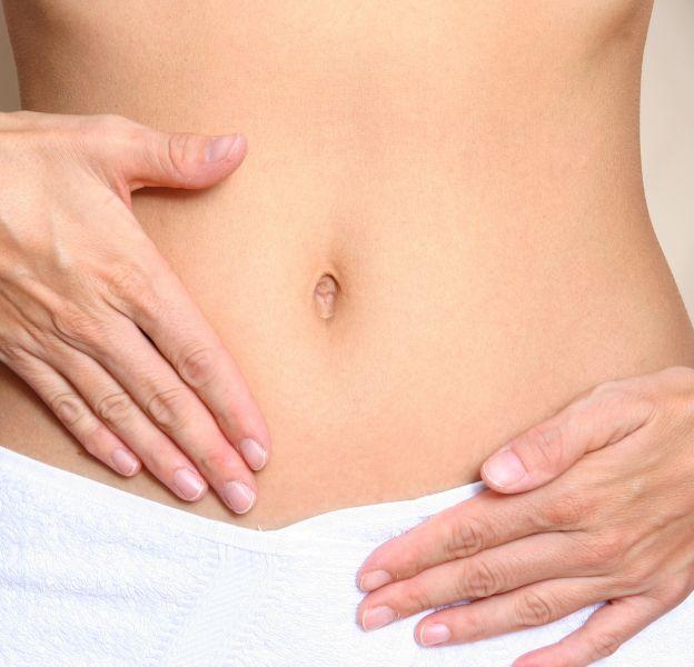 4 astuces simples pour avoir le ventre plat.