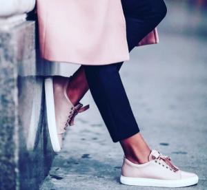 Sneakers roses : 5 paires vues sur Instagram qui nous font craquer