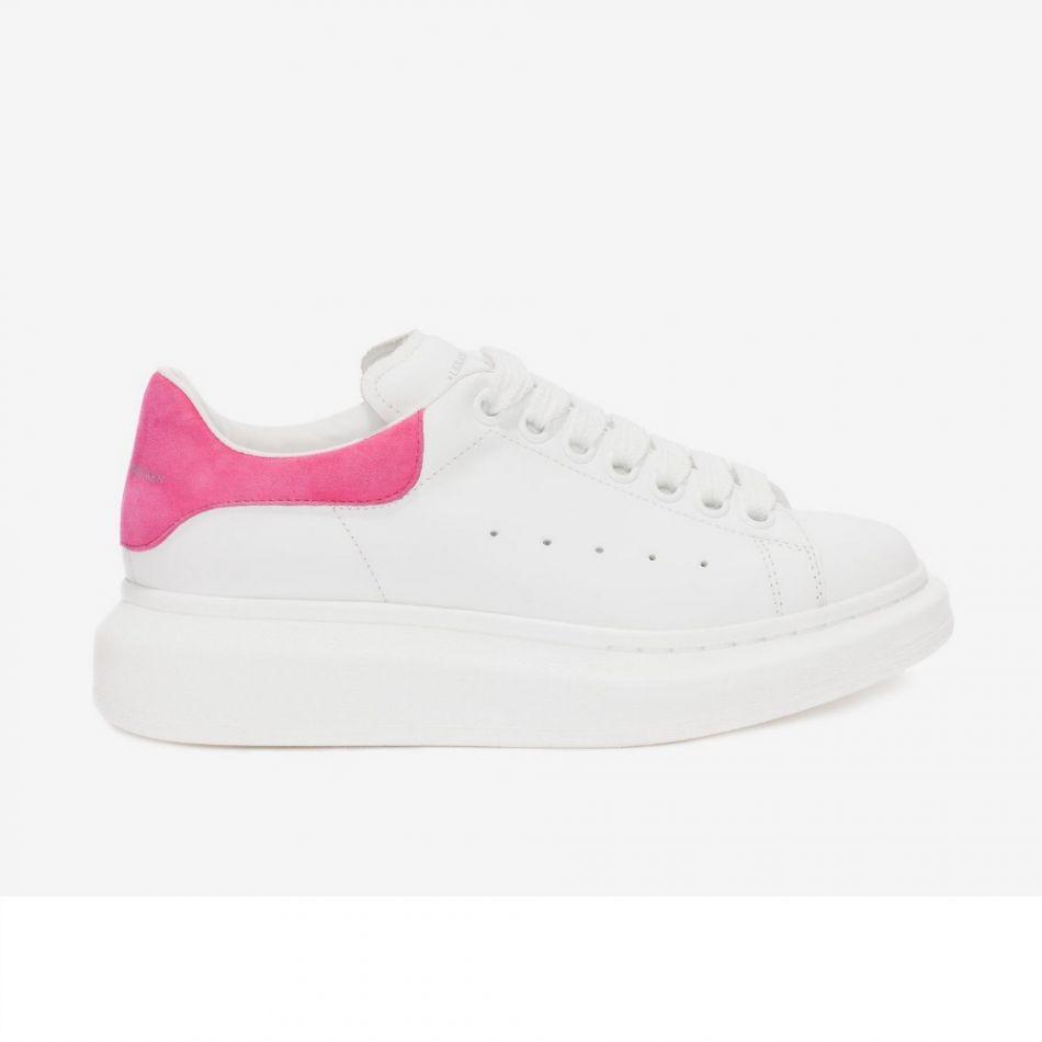 Alexander McQueen, Oversized sneaker, 395€.
