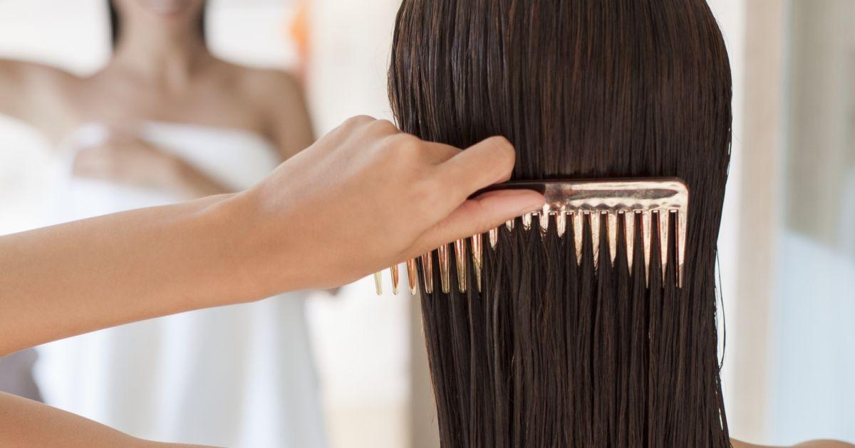 Les rappels selon les moyens les activateurs de la croissance des cheveu