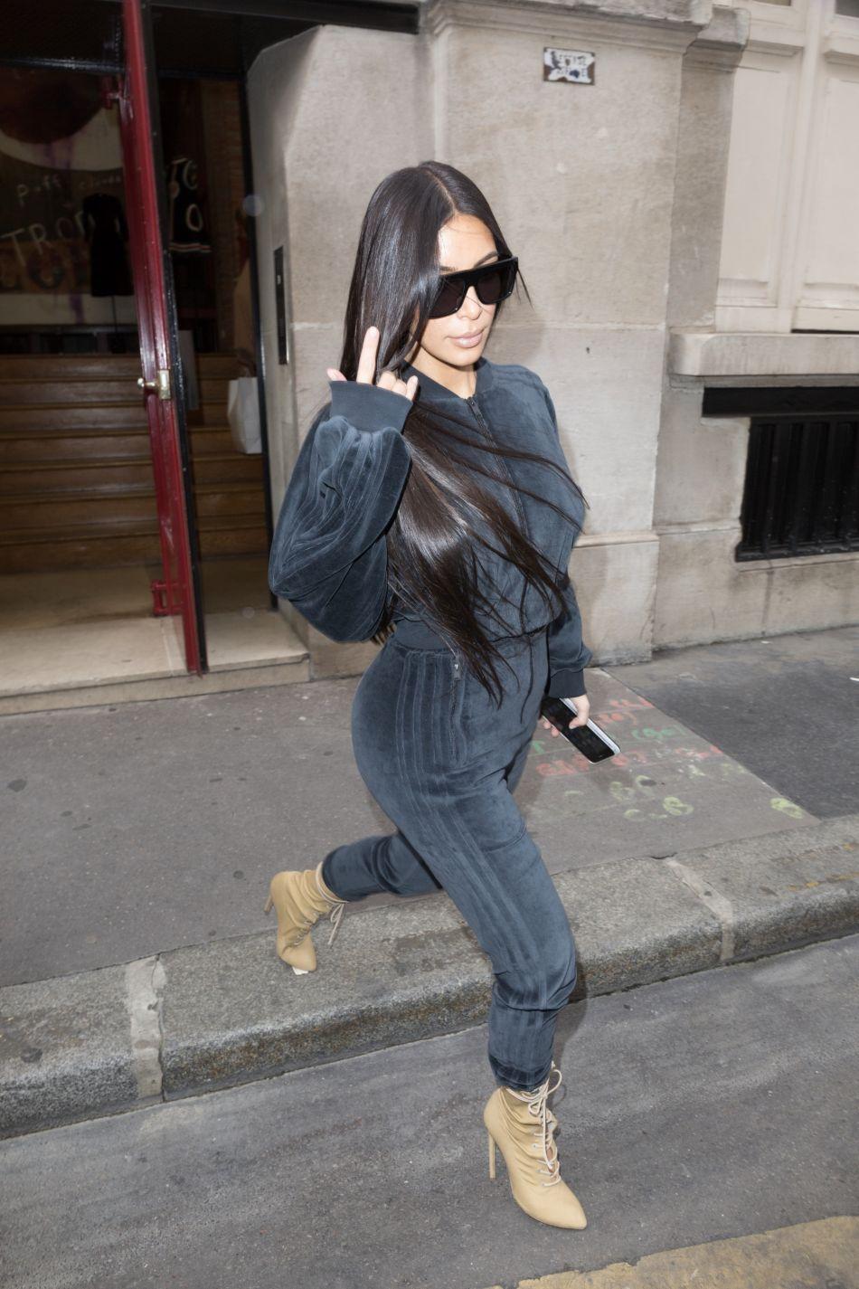 Kimmy a posté plusieurs vidéos sur Snapchat à la sortie du centre esthétique.