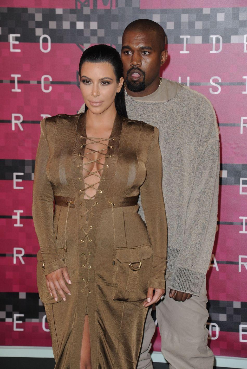 Qu'importe l'avis de son mari Kanye West, la starlette a gommé ses imperfections.