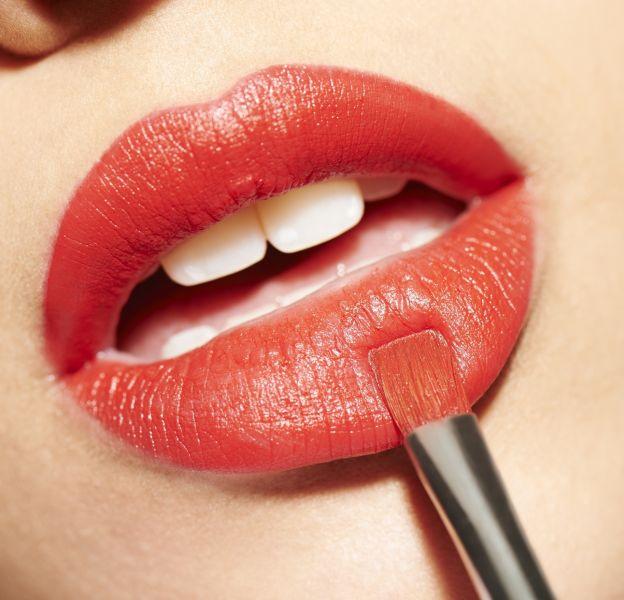 Rien de tel qu'un beau rouge bien appliqué pour des lèvres de folie !