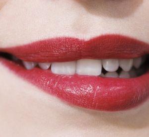 Make-up : le rouge à lèvres de folie qui tient toute la journée