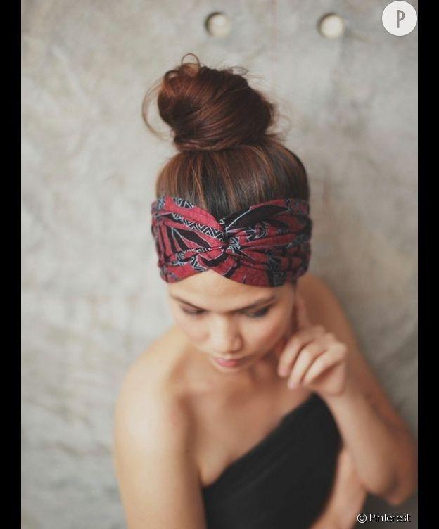 Coiffures pour cheveux sales : Le headband
