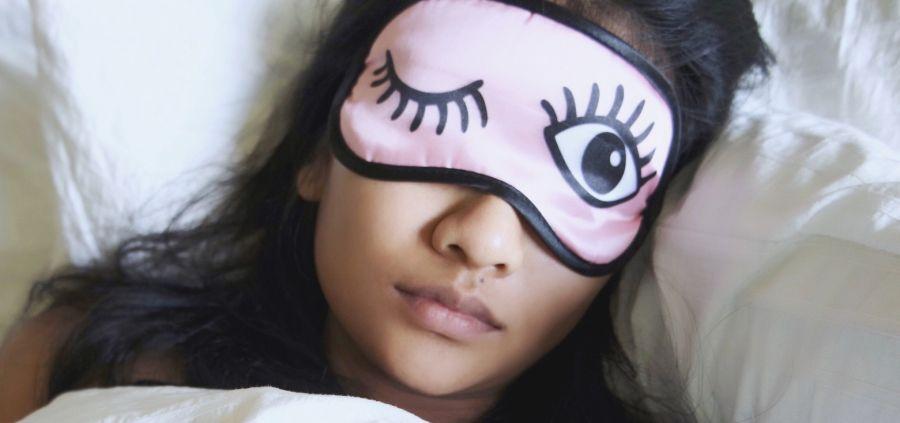 Le sleep mask, plus efficace que les cosmétiques de nuit ?