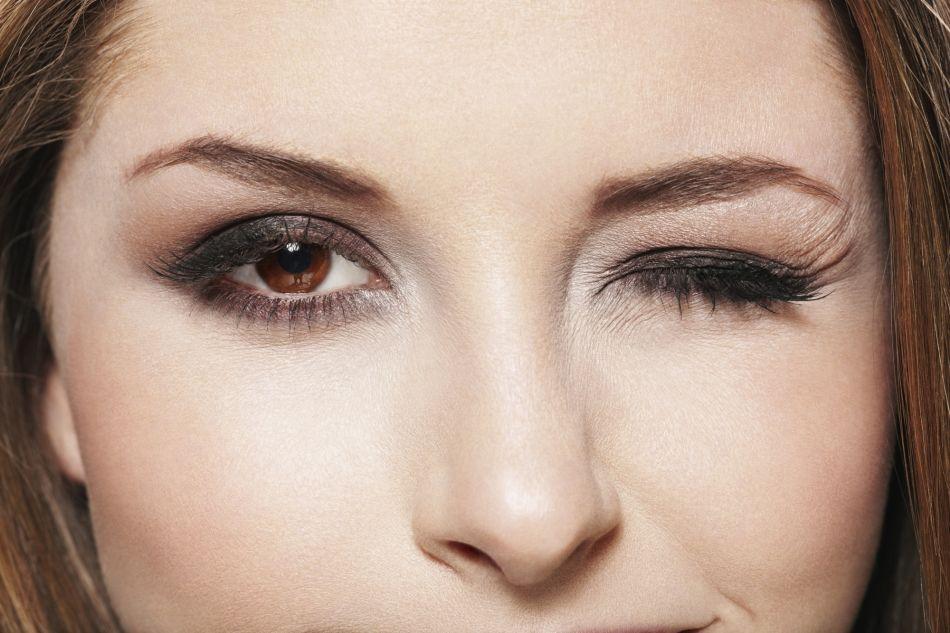 Rien de tel qu'un beau maquillage des yeux pour un look sophistiqué.