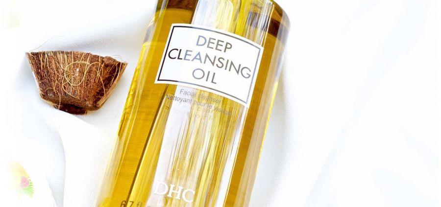 L'huile démaquillante, mieux que l'eau micellaire ?