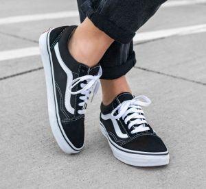 5 paires de baskets noires incontournables
