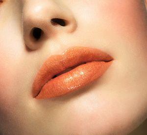 Rouge à lèvres corail : comment l'adopter ?