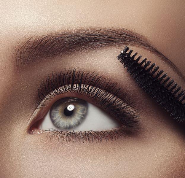 Mascara sourcils : comment l'utiliser ?