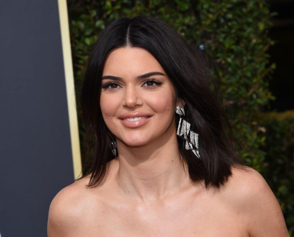 Kendall Jenner   violemment clashée pour une photo d elle sans maquillage -  Puretrend c5740db5b69