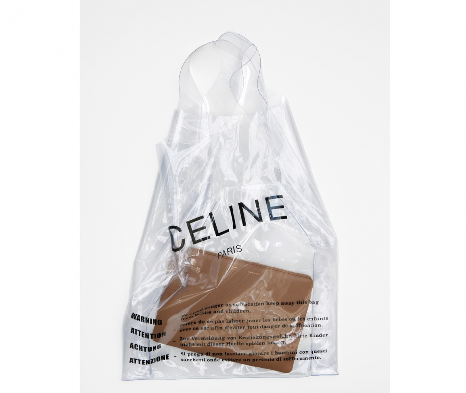 c line sort un sac en plastique compl tement collector puretrend. Black Bedroom Furniture Sets. Home Design Ideas